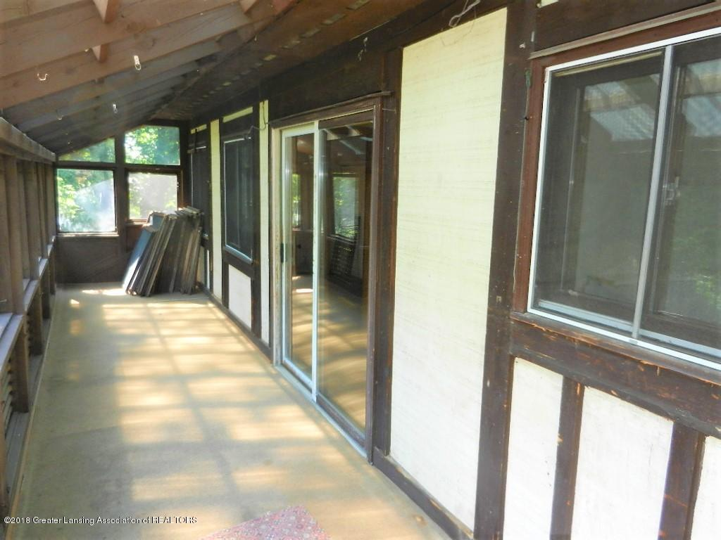 481 Haslett Rd - 3 season room off loft area - 26