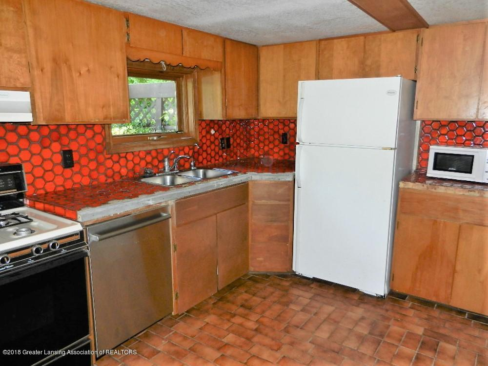 481 Haslett Rd - Kitchen - 16