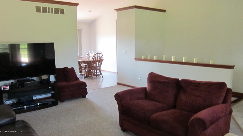 5384 S Stine Rd - Living Rm Pot Shelves - 7