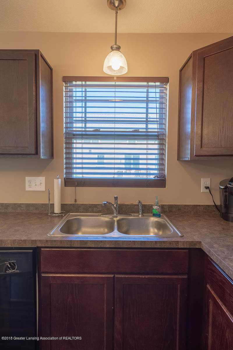 668 Puffin Pl - Double Sinks - 17