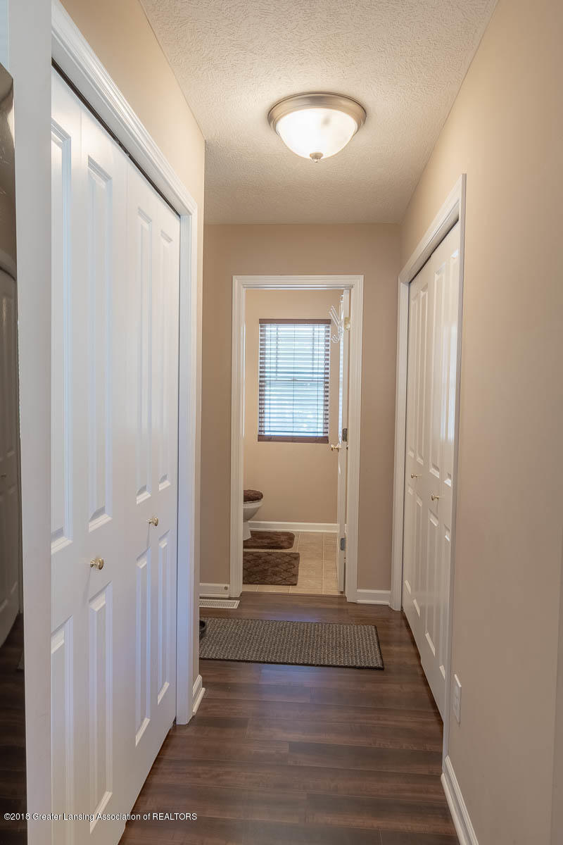 668 Puffin Pl - Back Hall - 18