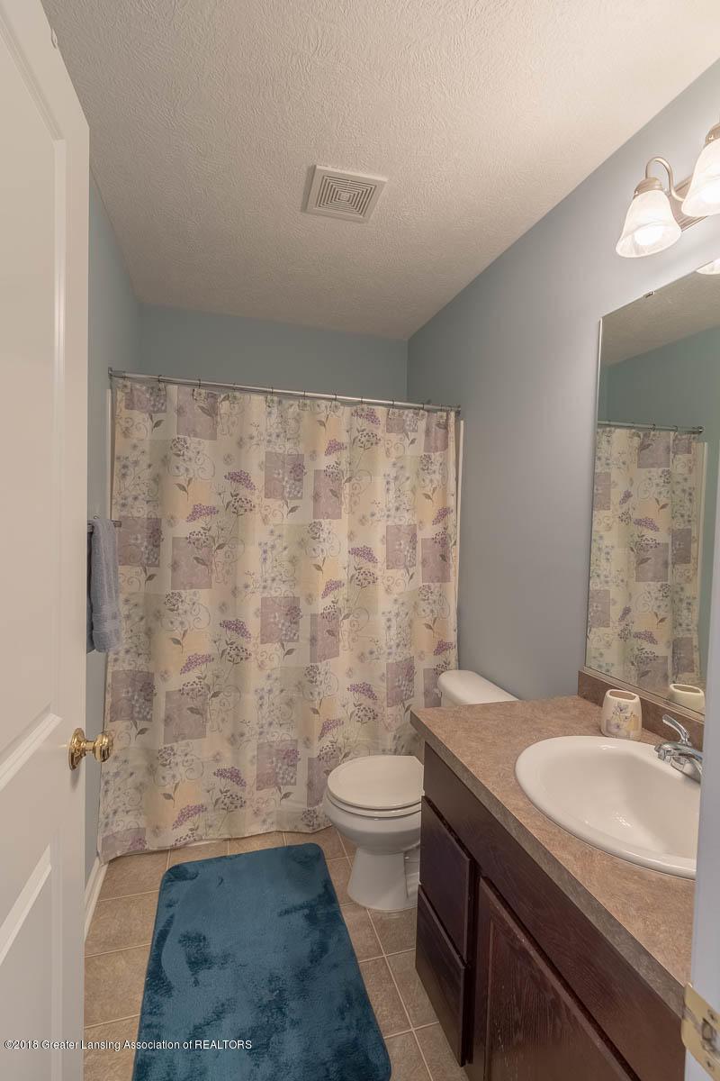 668 Puffin Pl - Hall Bath - 32