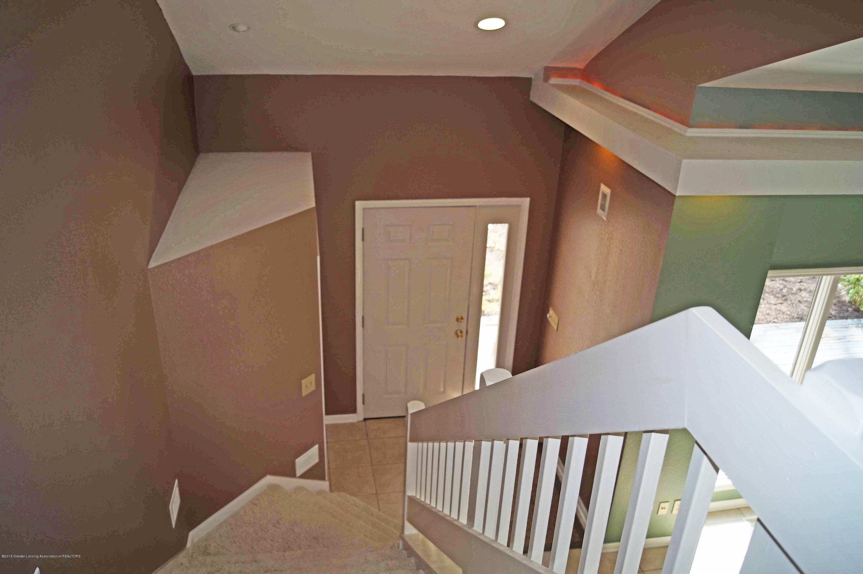 3720 Colby Rd - Foyer - 6