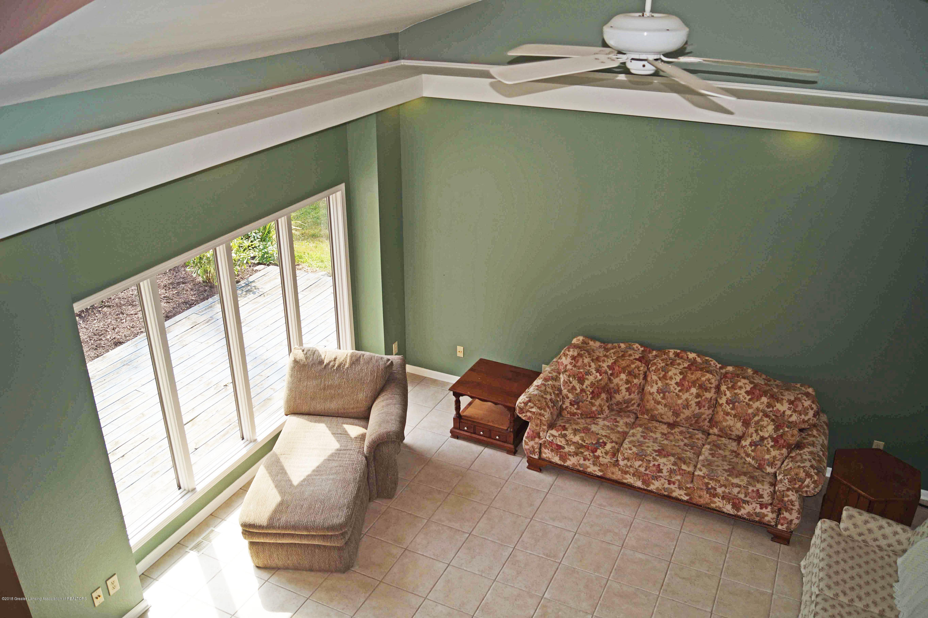 3720 Colby Rd - Great Room - 7