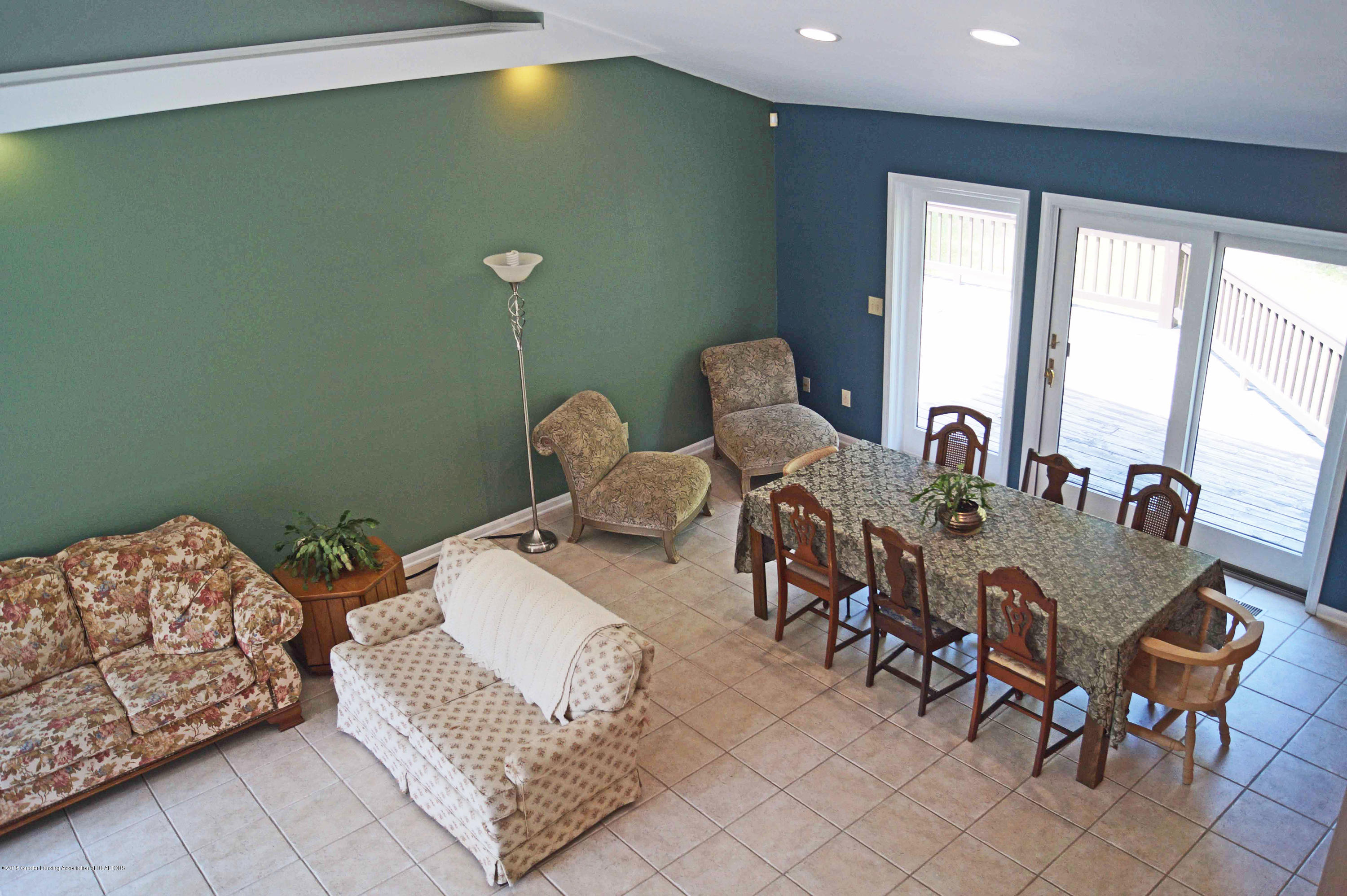 3720 Colby Rd - Great Room - 8