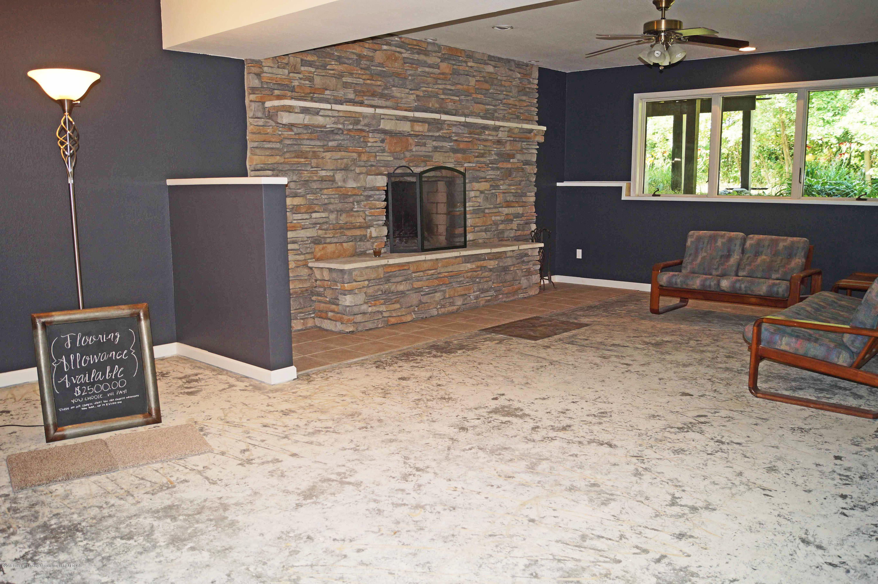 3720 Colby Rd - Family Room - 22