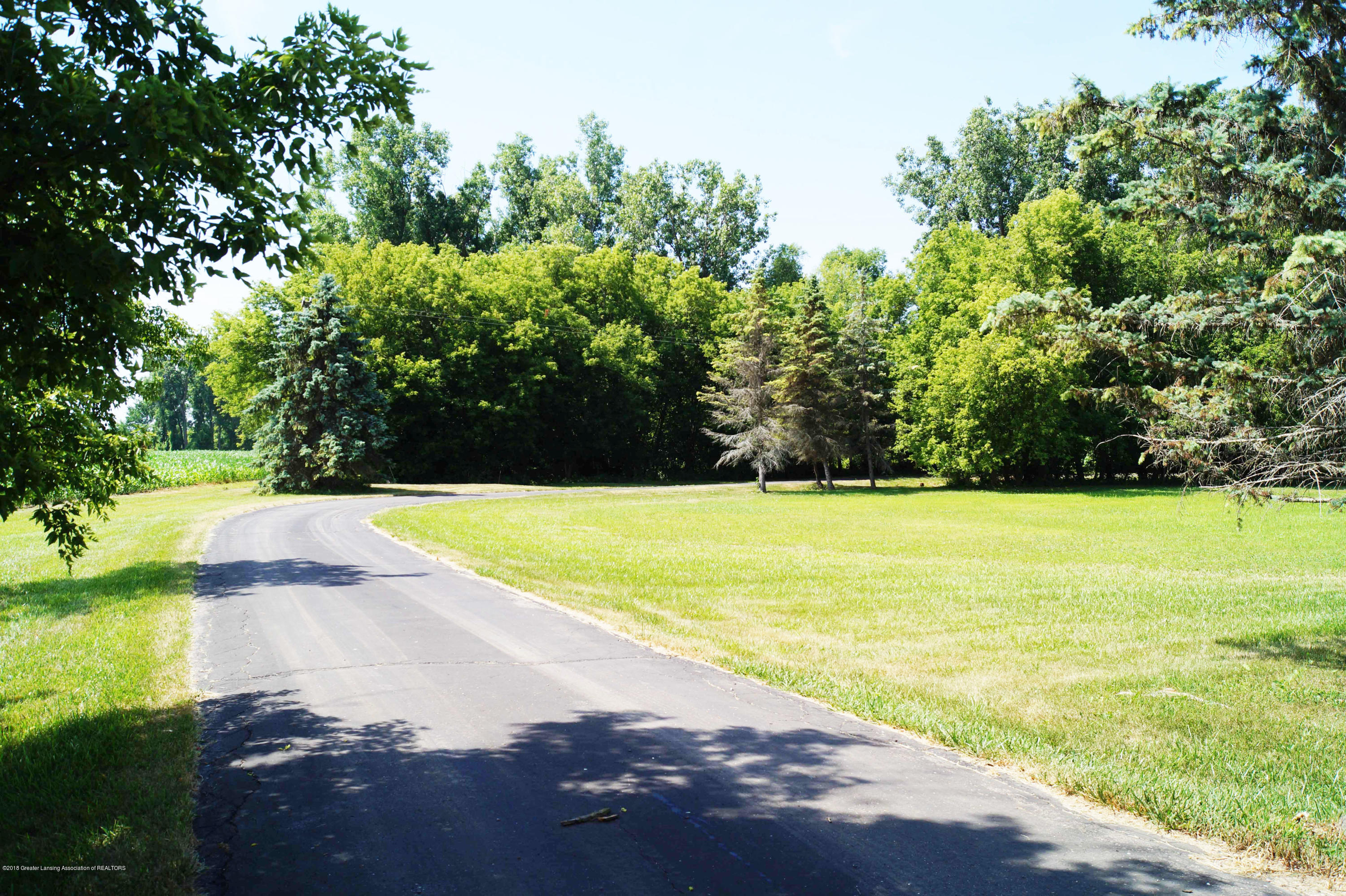 3720 Colby Rd - Driveway Start - 32