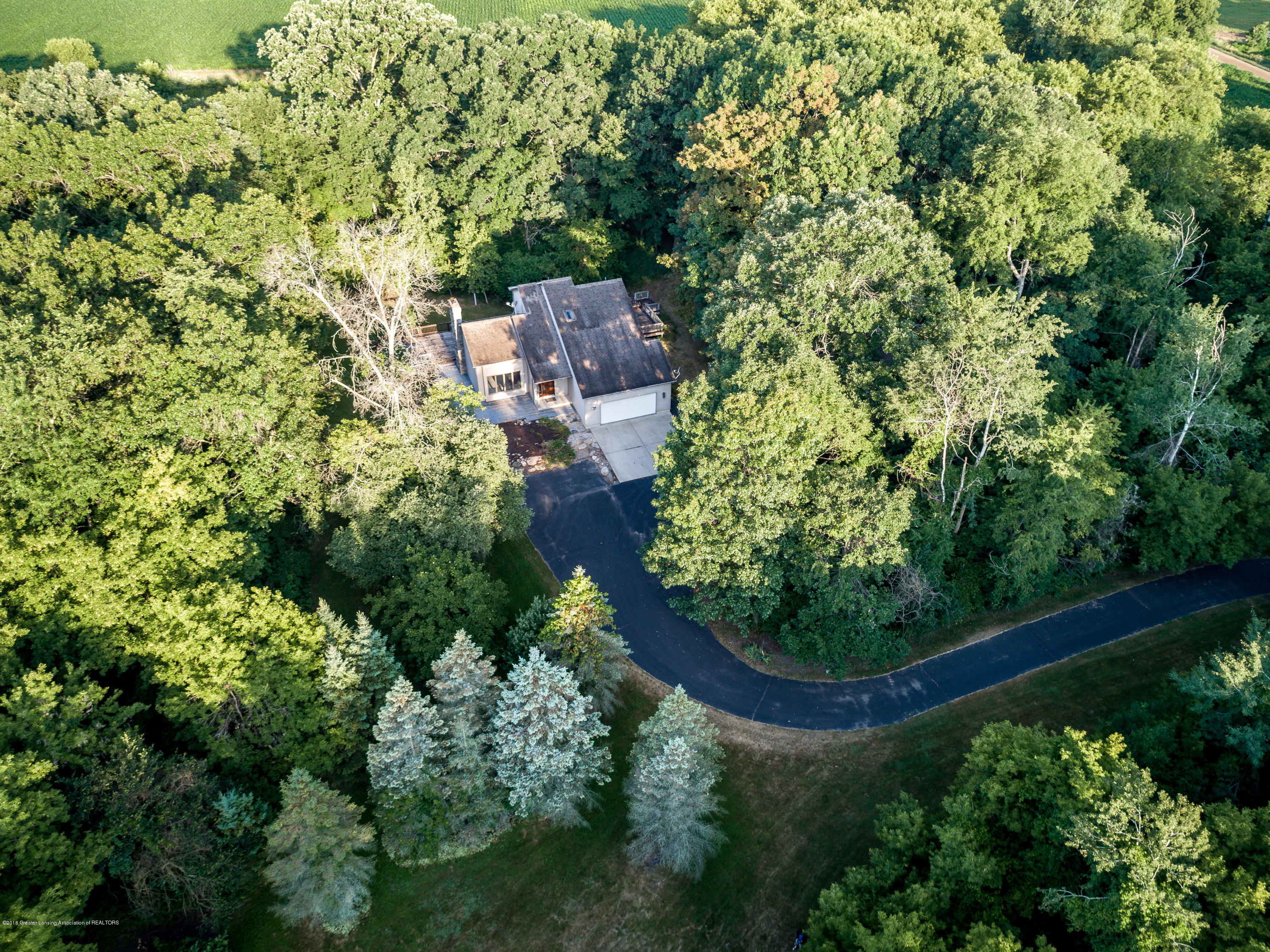 3720 Colby Rd - Private Drive - 3