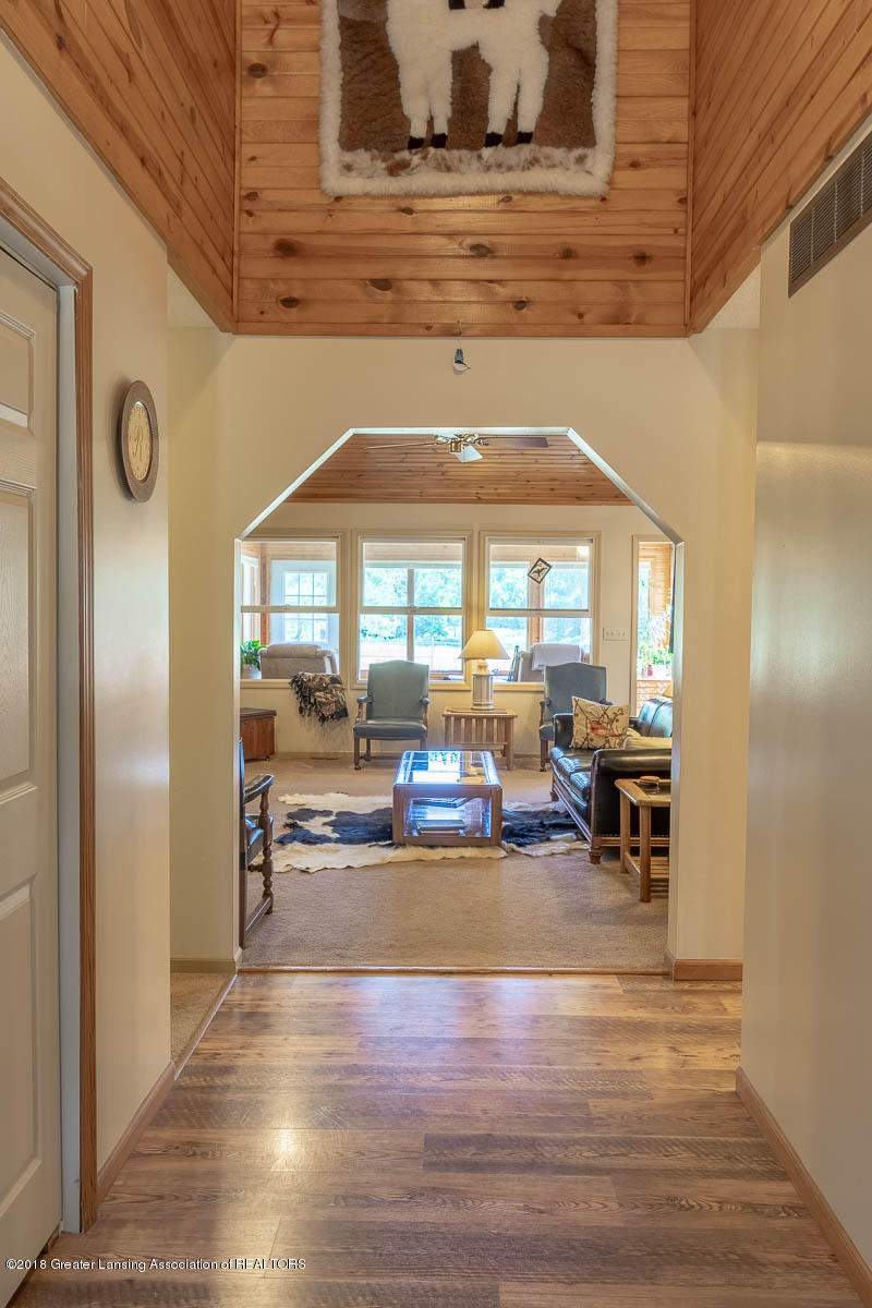 7511 Herbison Rd - Foyer View to Livingroom - 3