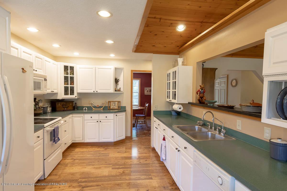 7511 Herbison Rd - Kitchen - 8