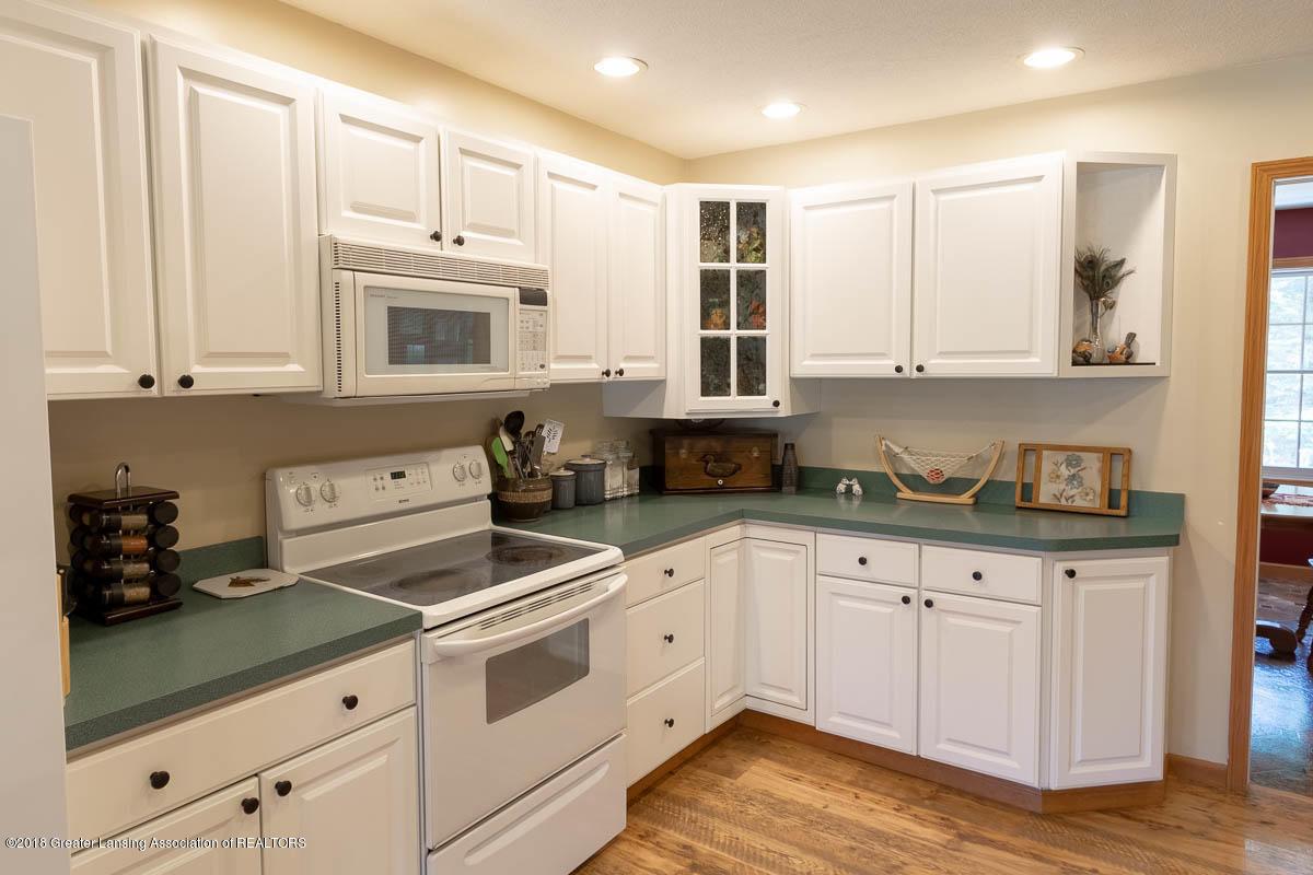 7511 Herbison Rd - Kitchen - 7
