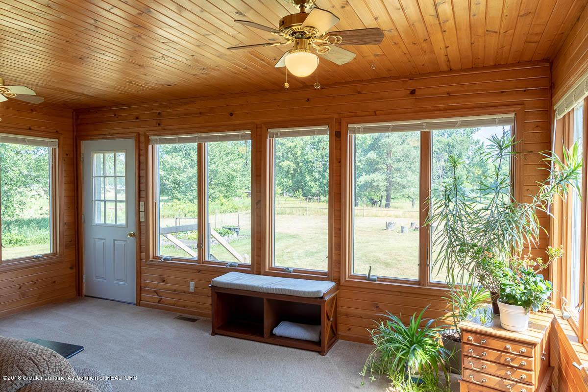 7511 Herbison Rd - Four Season's View Outside - 13