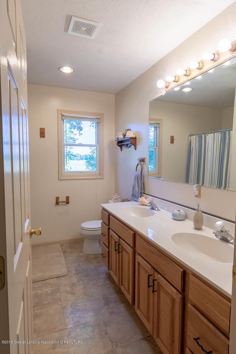 7511 Herbison Rd - Main Bath with Double Vanities - 22