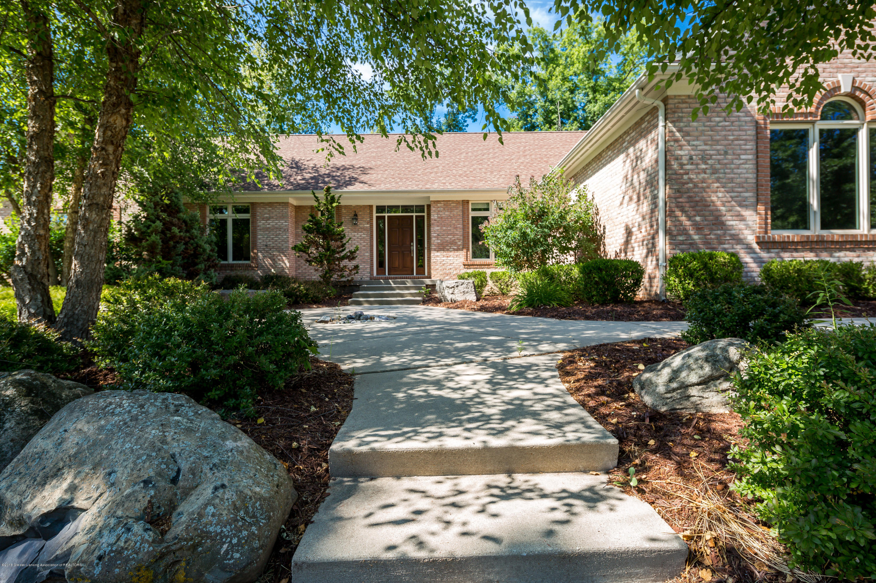 2016 Belwood Dr - 20180710-942A3202 - 8