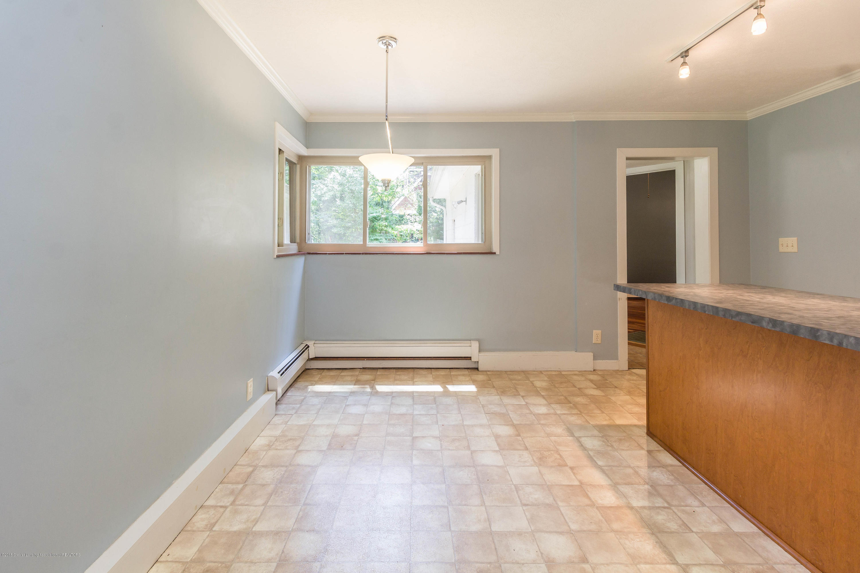 6038 Abbot Rd - Dining area - 13