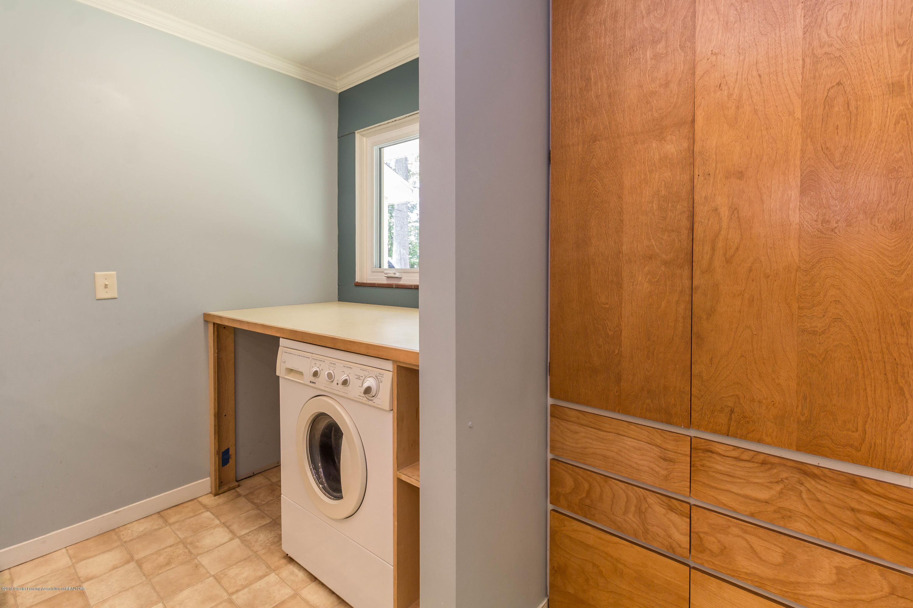 6038 Abbot Rd - Laundry - 22