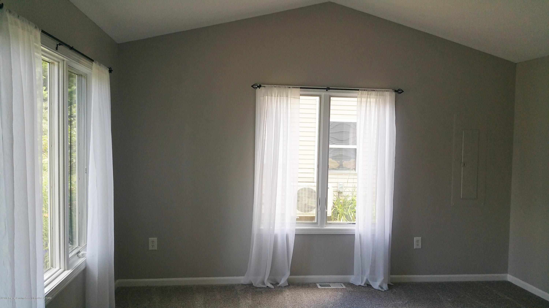 6020 Sunset Ln - Living Room - 5