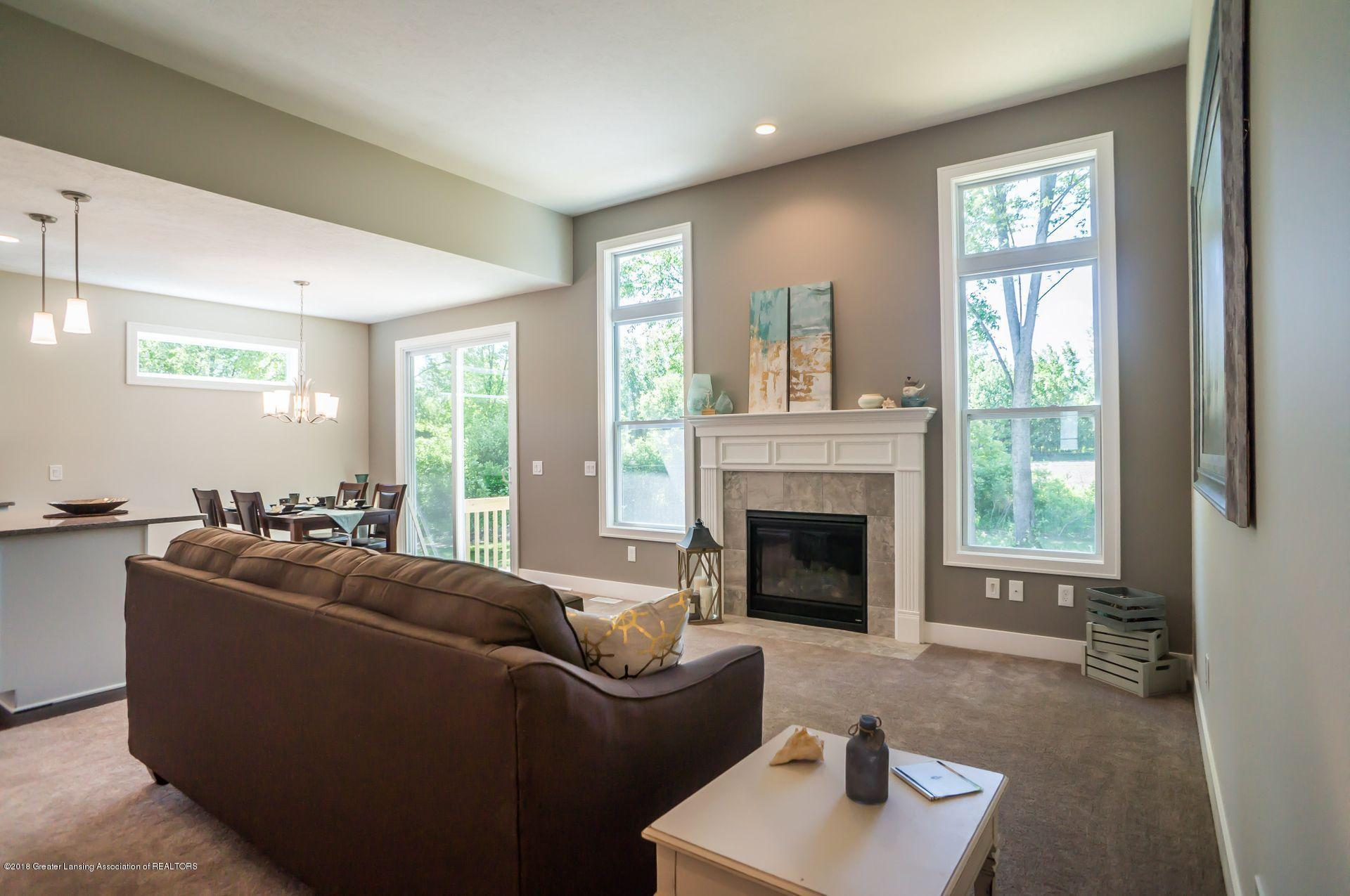 1560 Lytell Johnes Path  - living room - 6