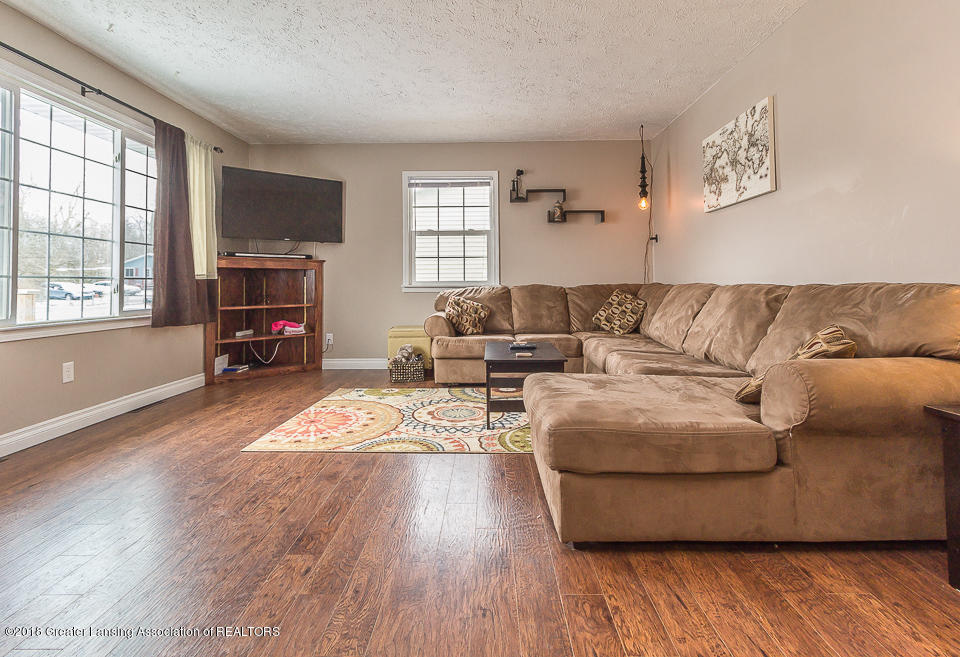 1500 Kennedy Dr - Living room - 5