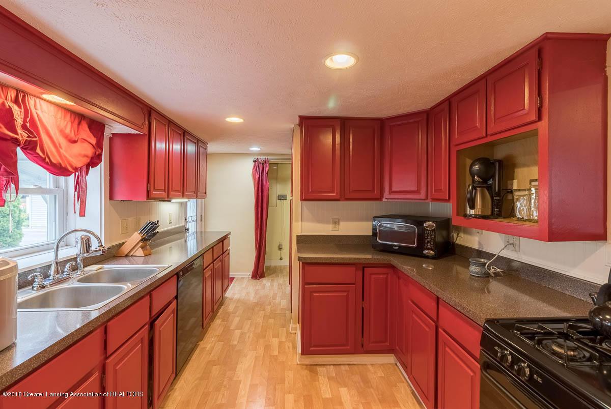 6112 Columbia St - Kitchen - 8