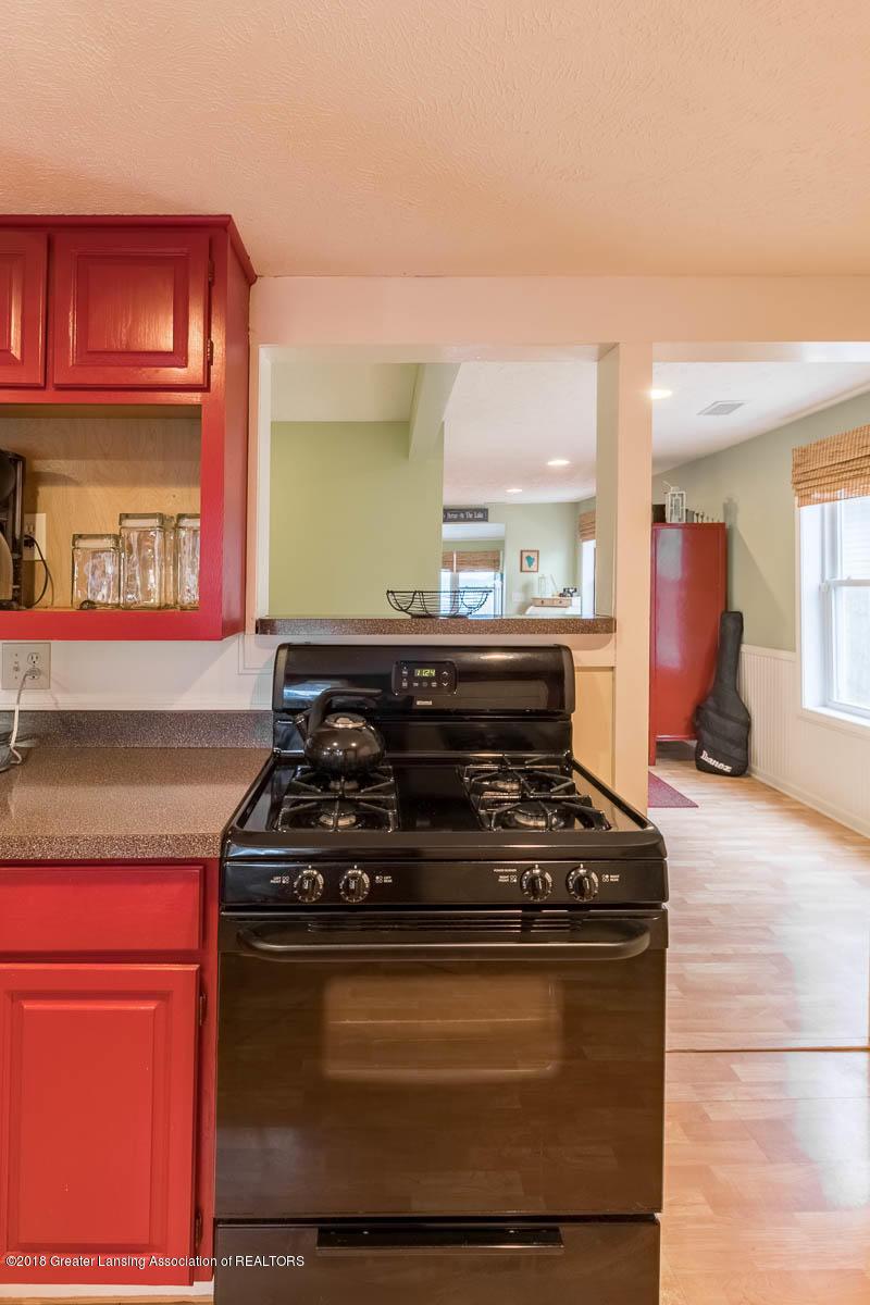 6112 Columbia St - Kitchen - 12