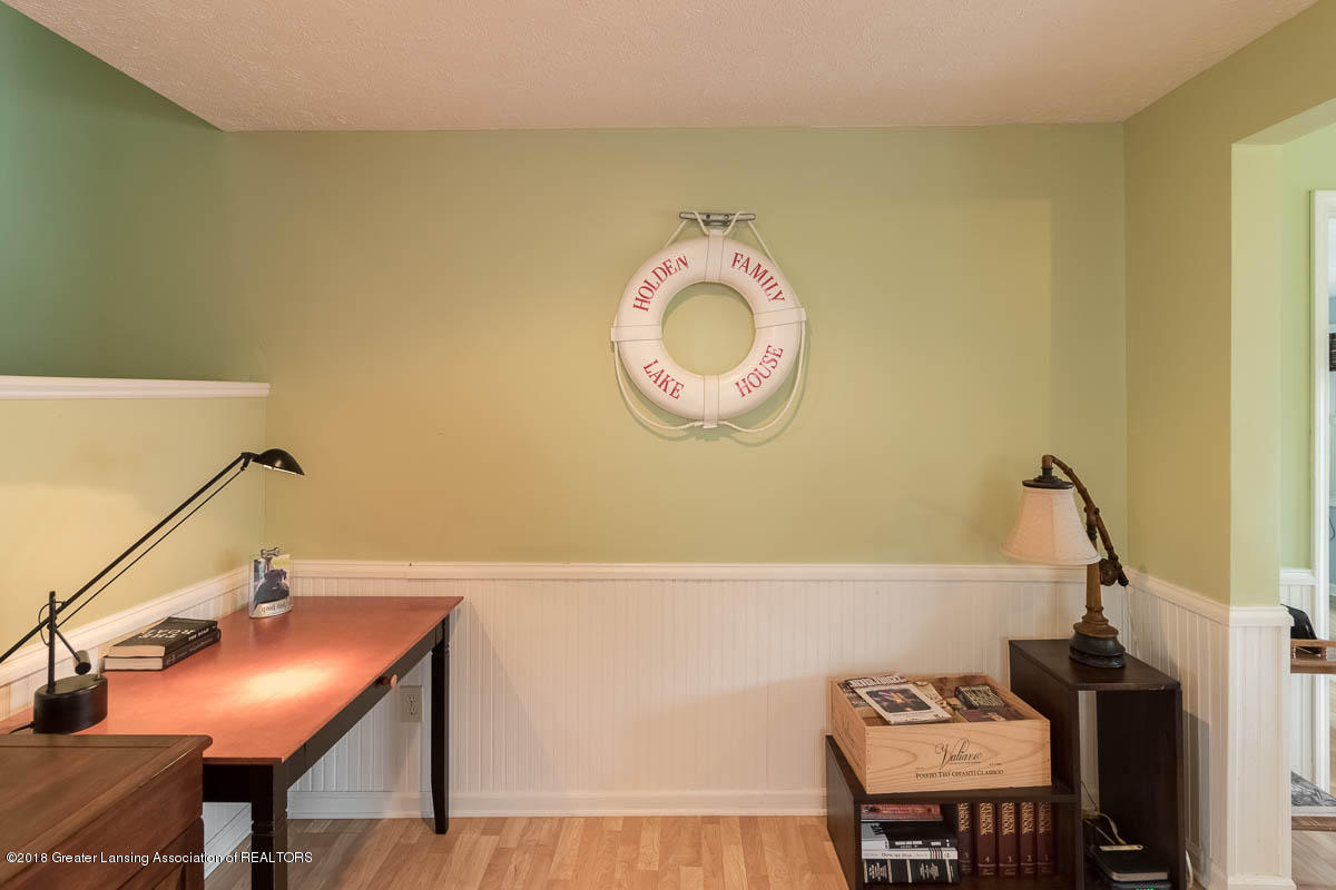 6112 Columbia St - Office/Living Room - 17