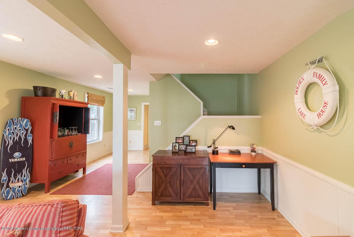 6112 Columbia St - Living Room - 18