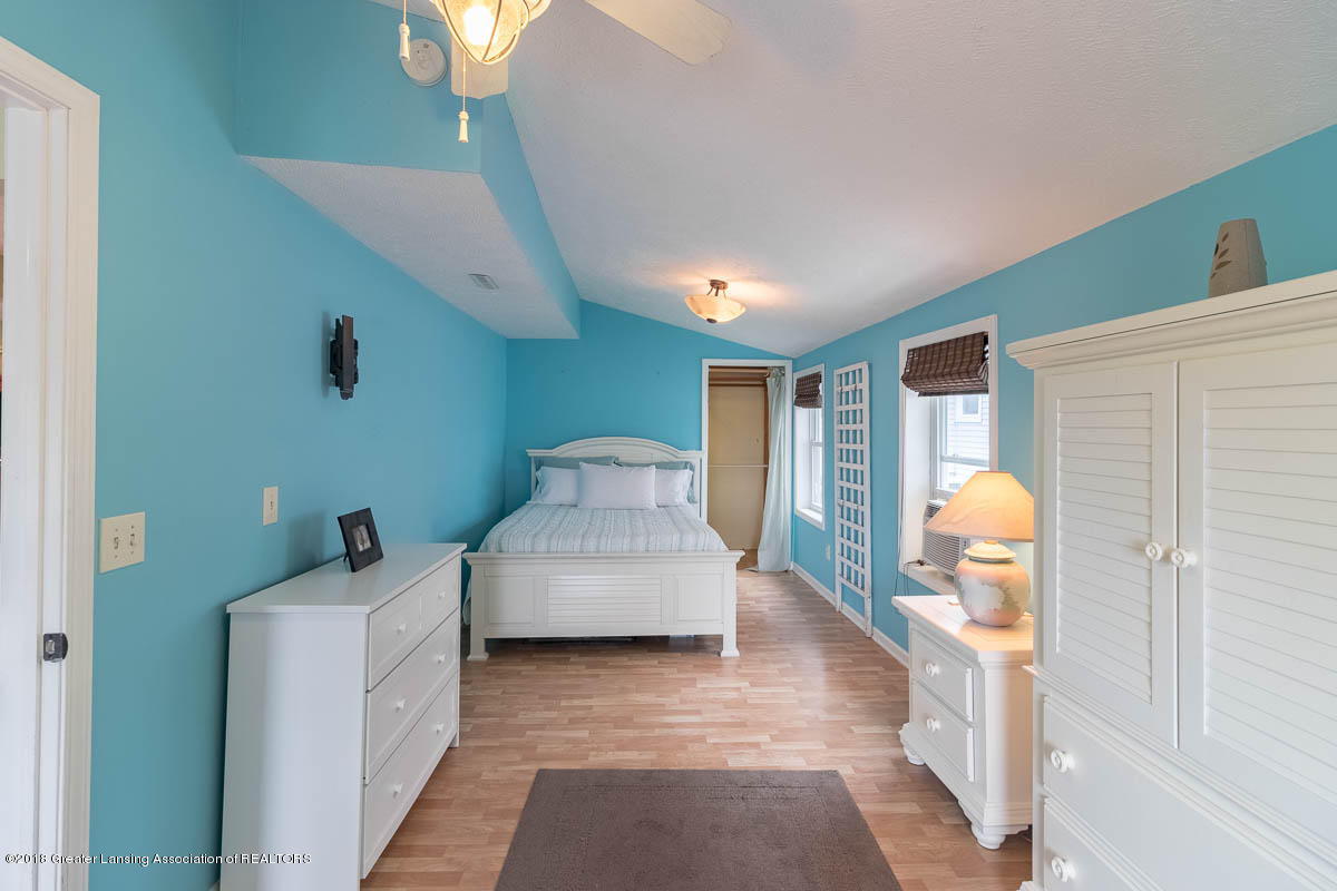 6112 Columbia St - Master Bedroom - 21