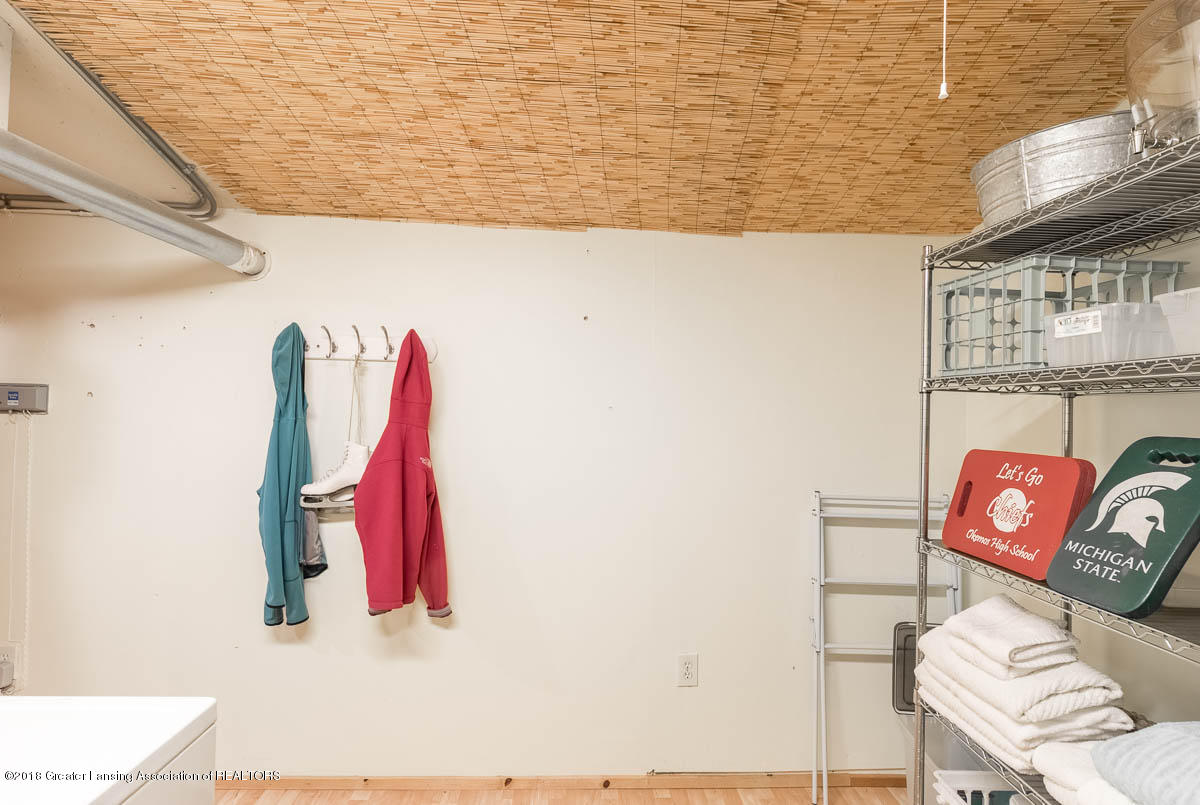 6112 Columbia St - Laundry Room - 35