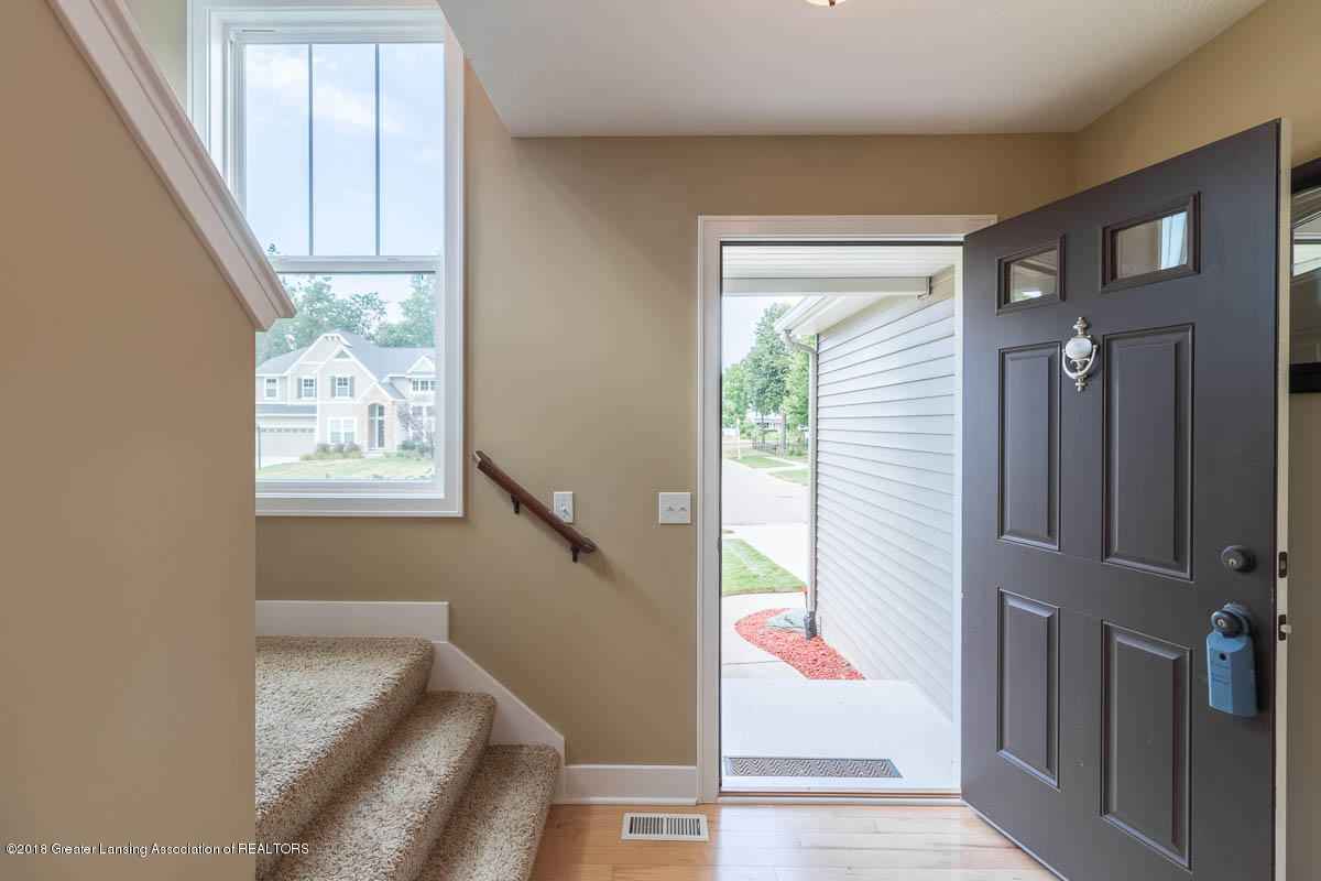 8603 Wheatdale Dr - Foyer - 9