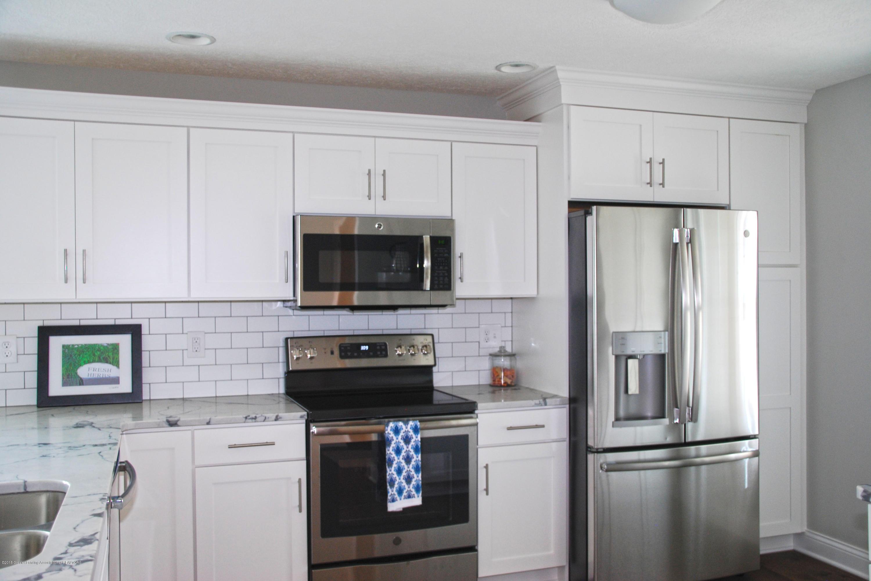 5340 Hawk Hollow Dr E - MLS kitchen 1 - 4