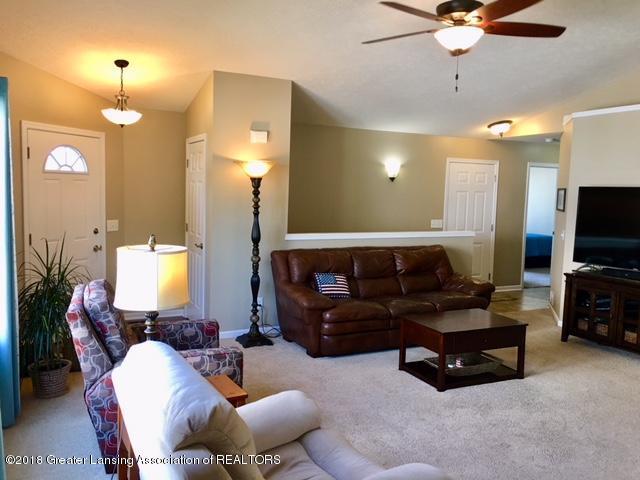 5039 Glendurgan Ct 13 - livingroom - 9