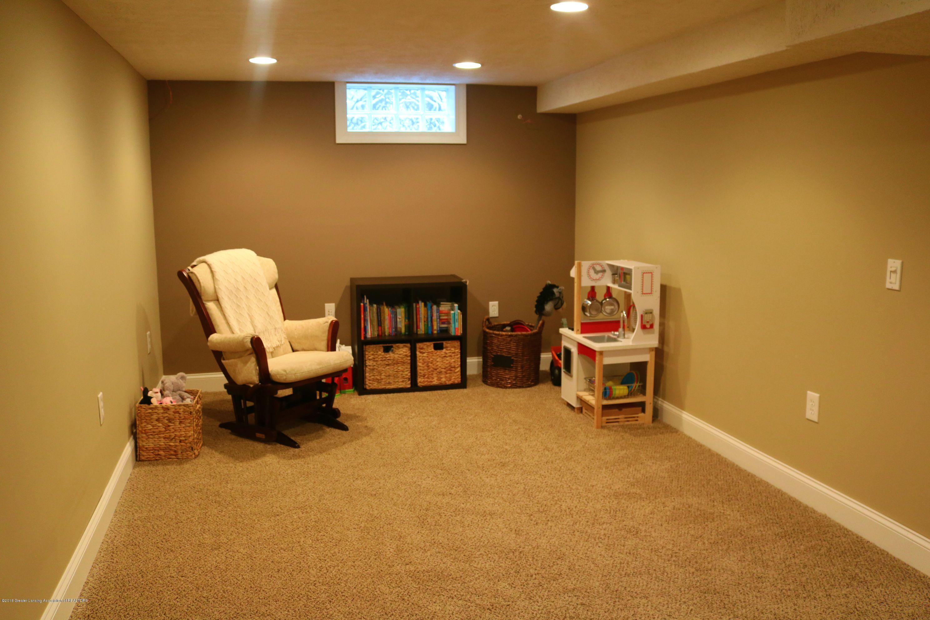 1718 Cooper Ave - Family Room - 17