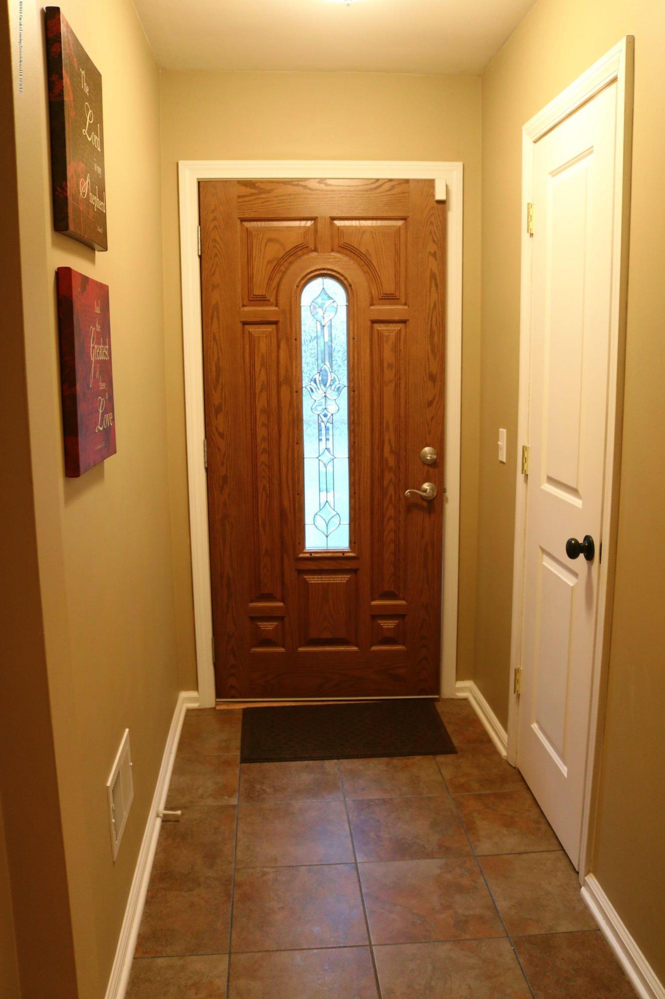 1718 Cooper Ave - Foyer - 2