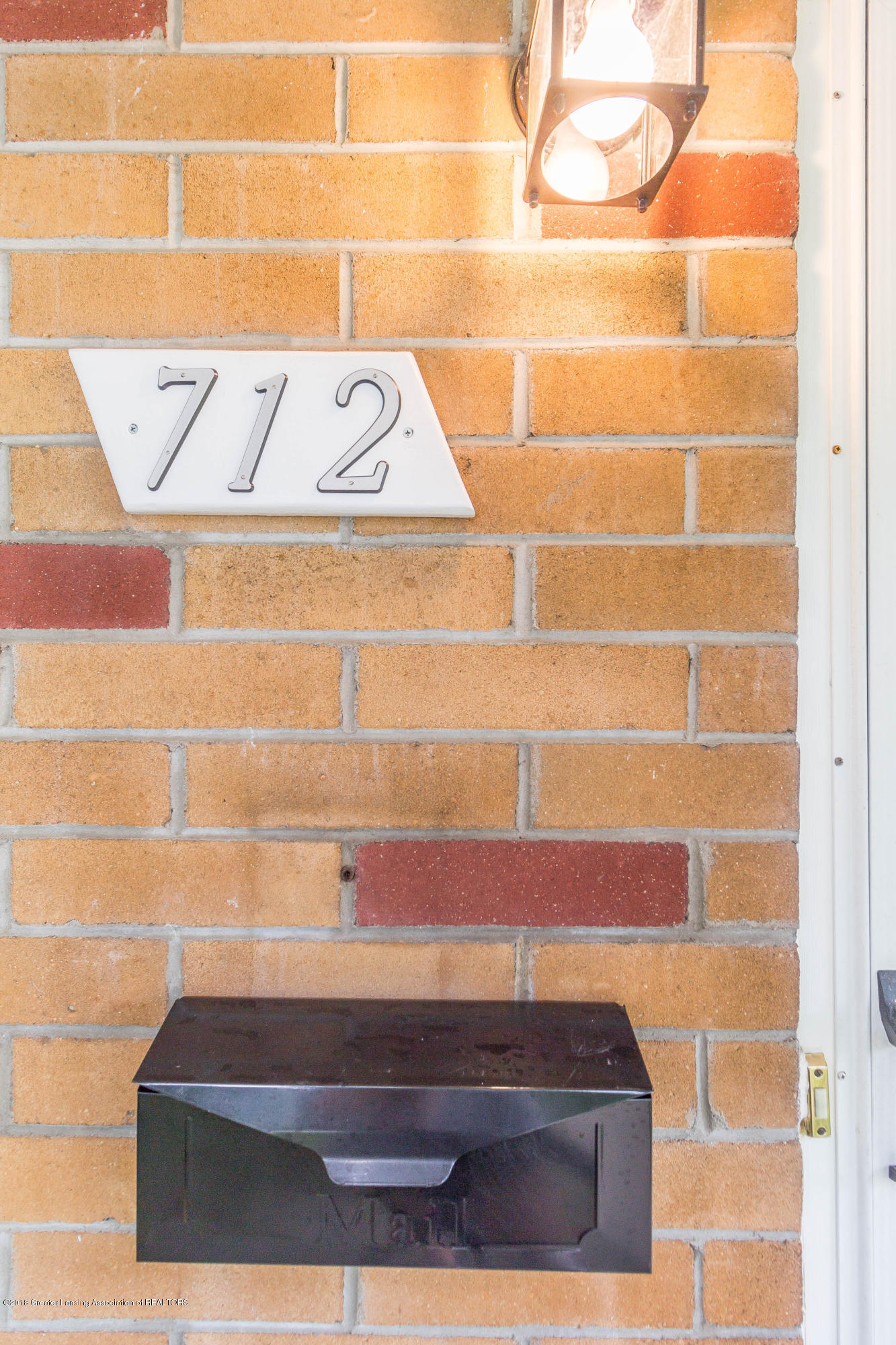 712 E Willard Ave - willardporch4 (1 of 1) - 22