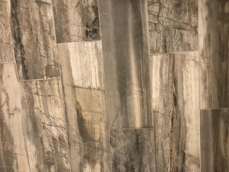 2990 Whistlewood Way - Master Bath Tile - 15