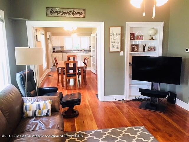 109 E Plain St - 109 living room - 4