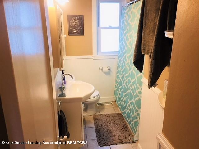109 E Plain St - 109 Bathroom - 13