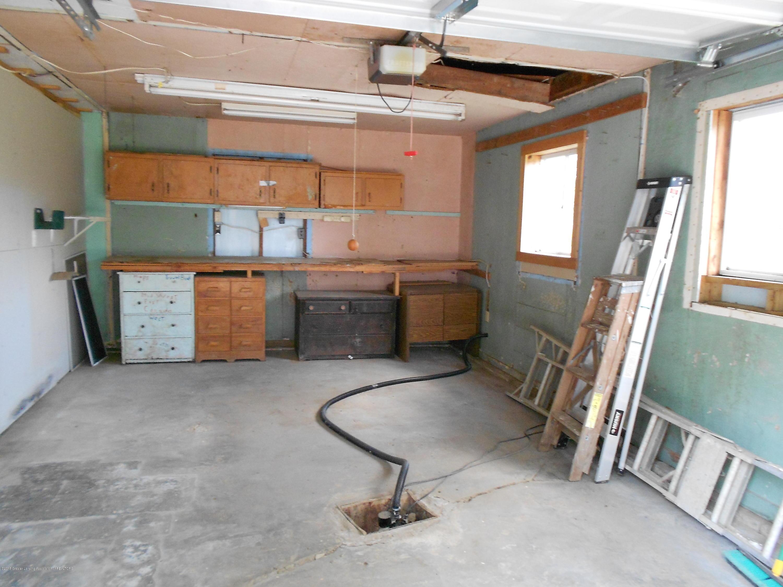 9506 S Hollister Rd - 32 Garage - 33