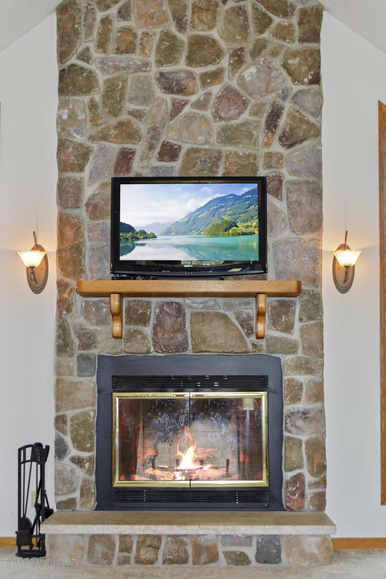 5955 E Parks Rd - Fireplace 2 - 7