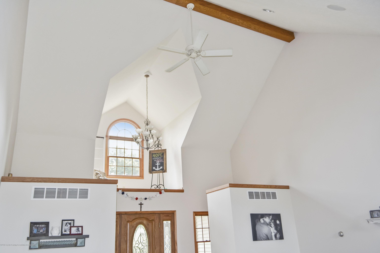 5955 E Parks Rd - Large open ceilings - 9
