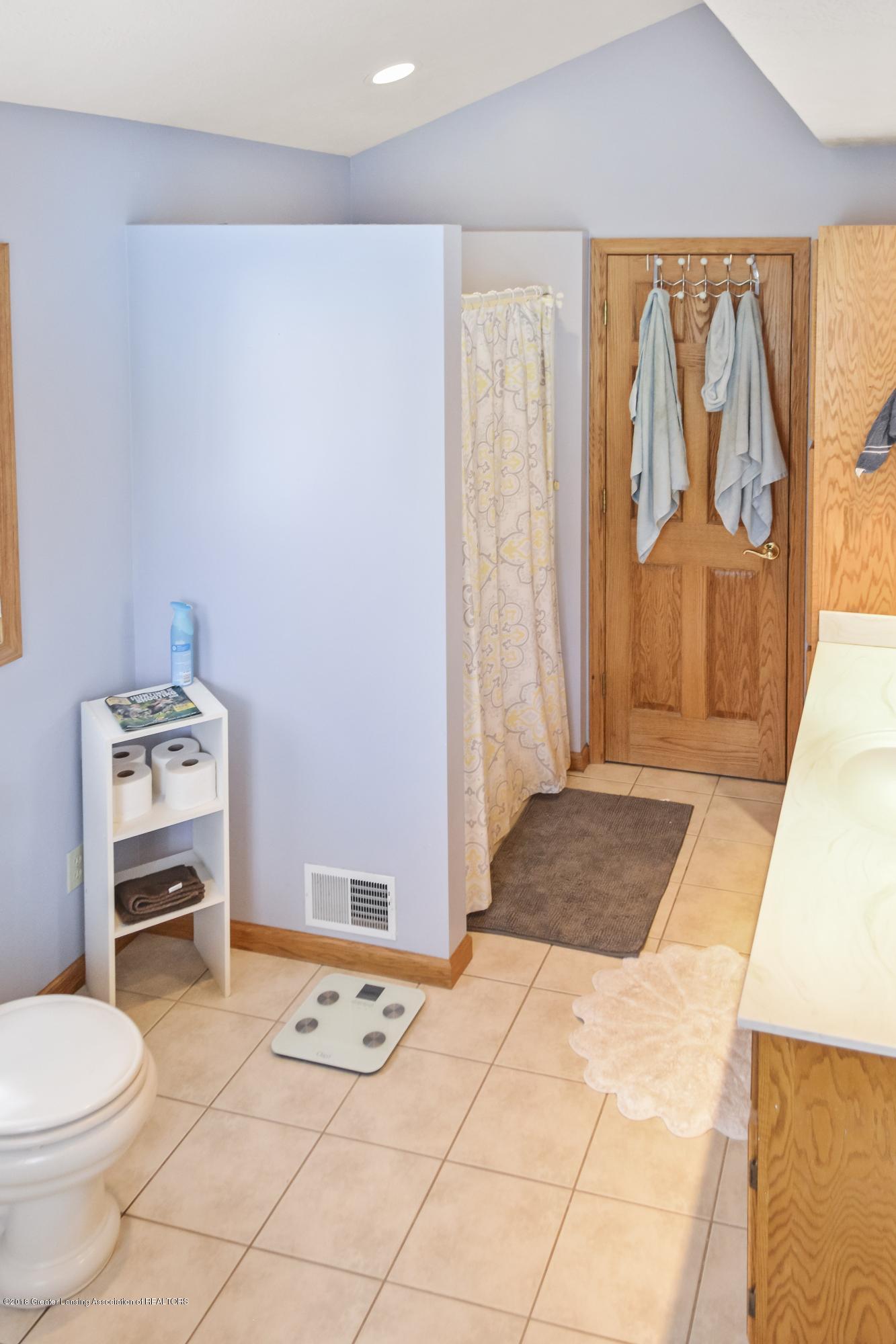 5955 E Parks Rd - Master Bath - 12