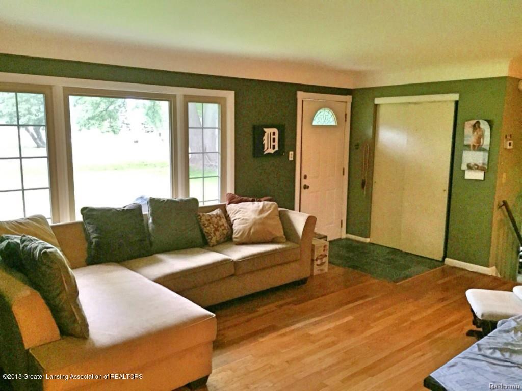 2920 Angelene Dr - Living room - 4