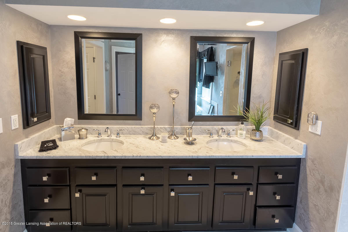 15011 Seniors Ct - Master Bath - 50