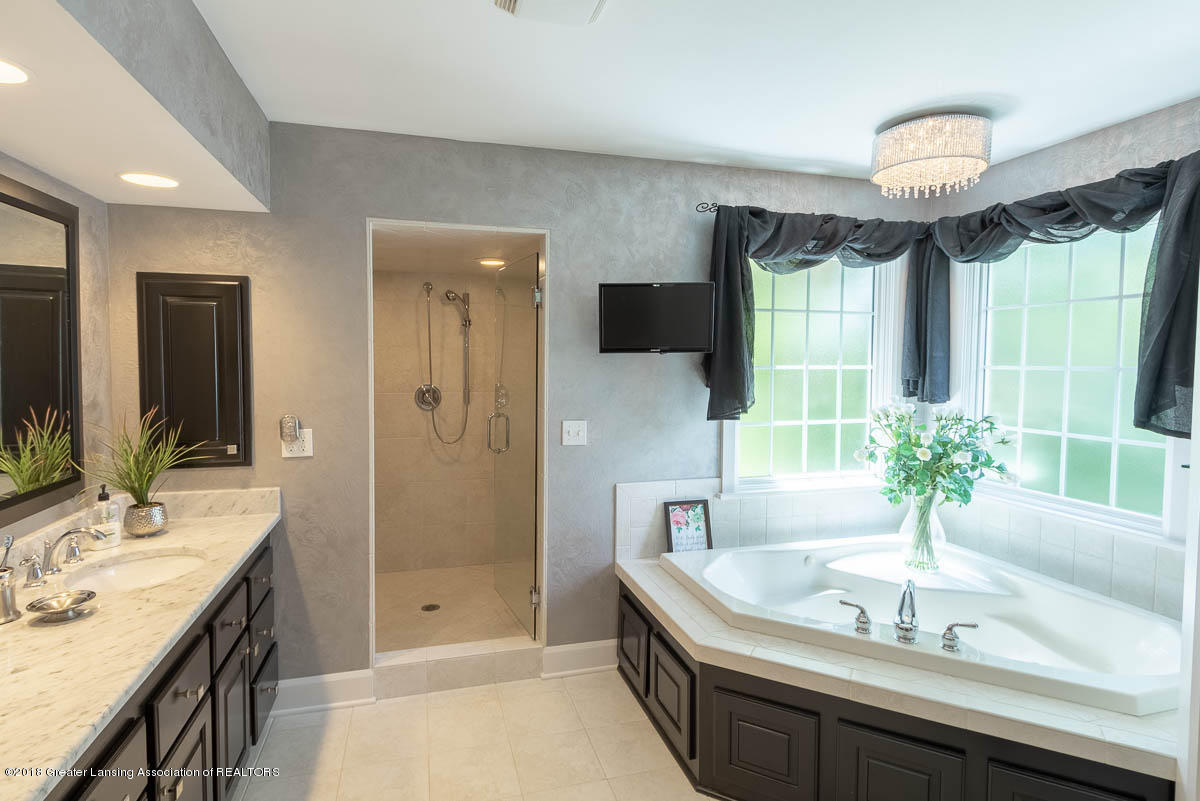 15011 Seniors Ct - Master Bath - 51