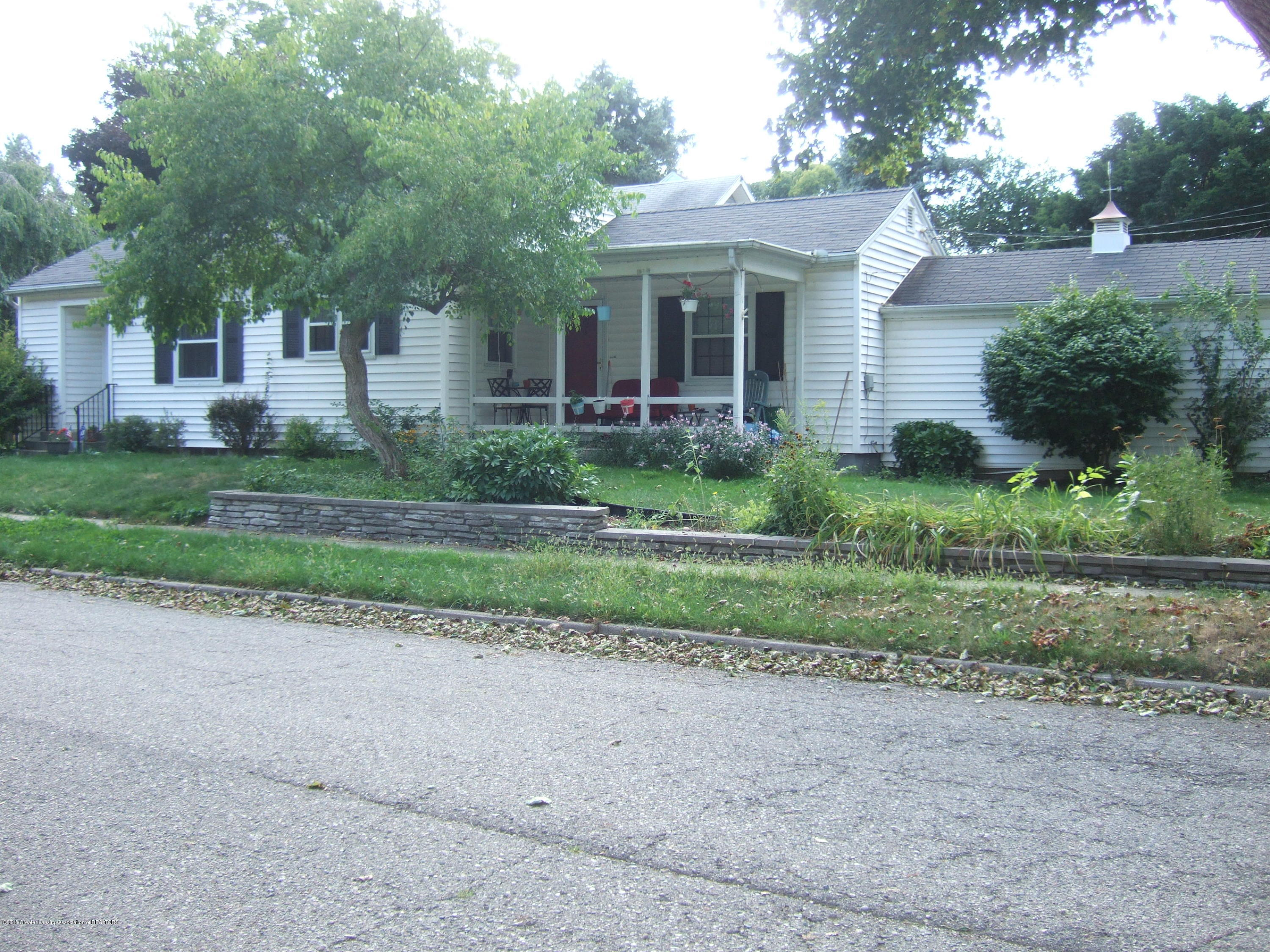 1000 Britten Ave - Front of Home - 1