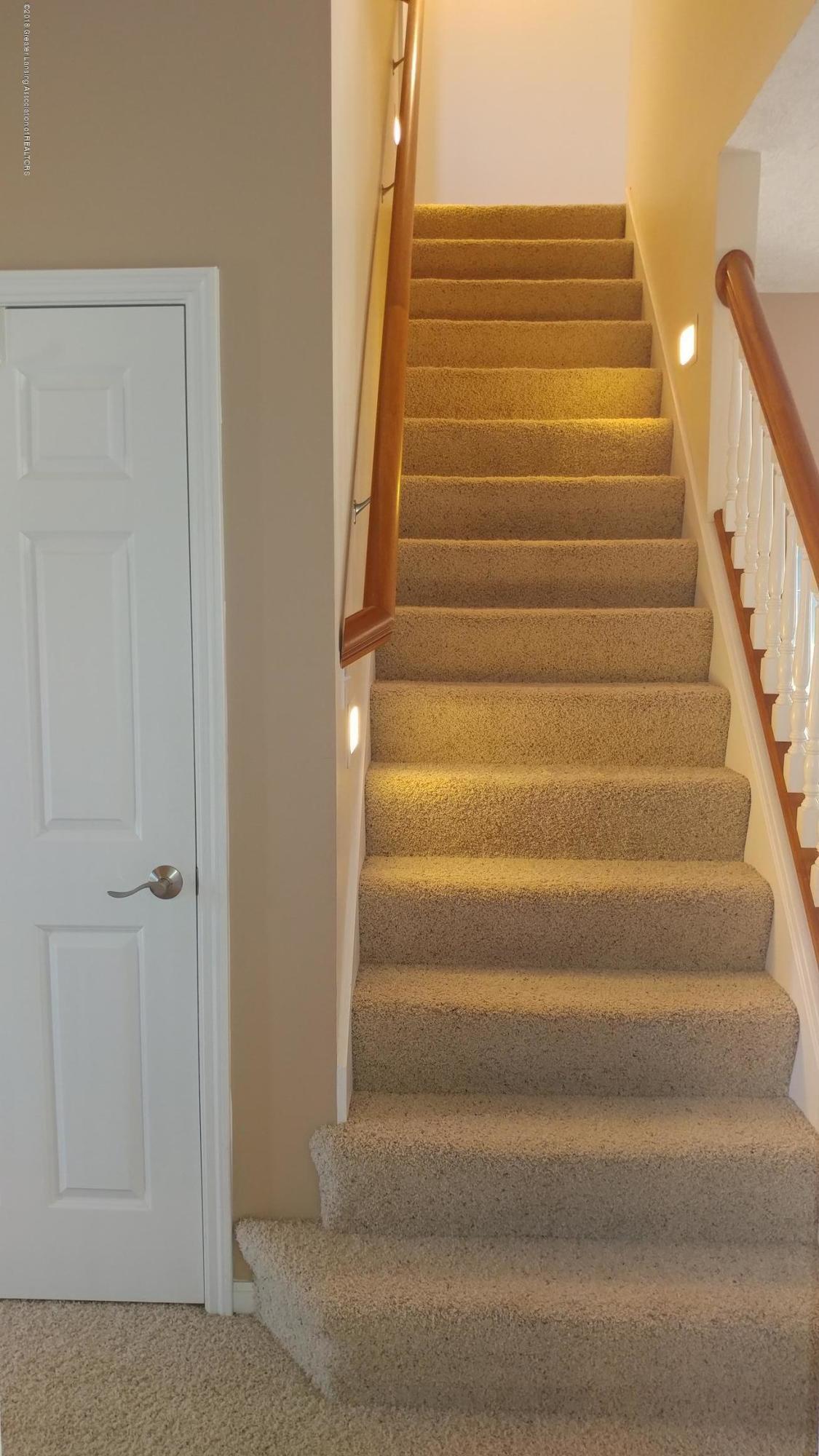 813 John Finner Ln - Stairway - 16