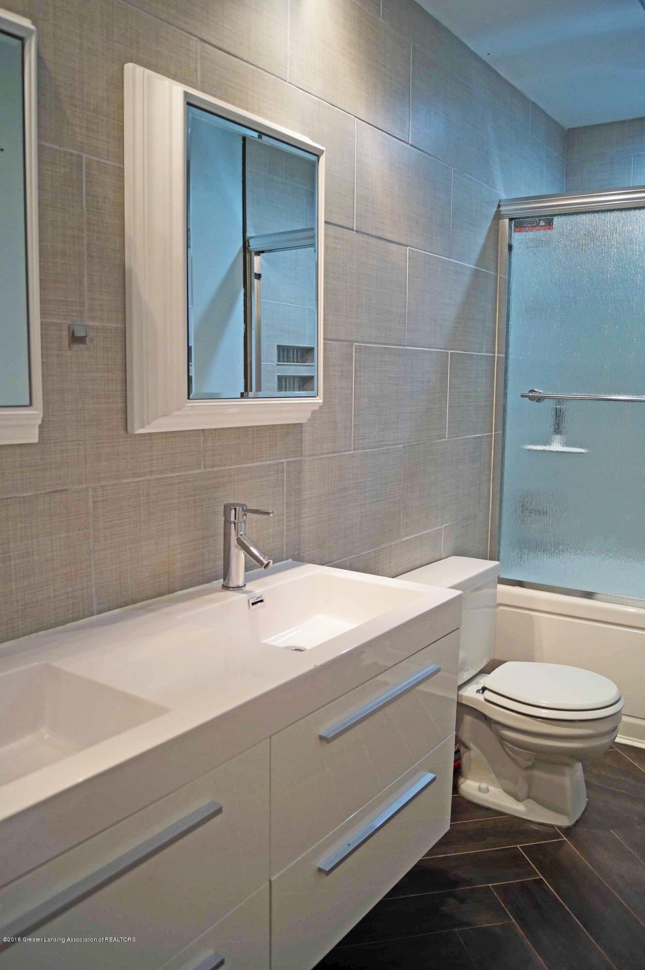 1332 Lakeside Dr - Main Bath - 22