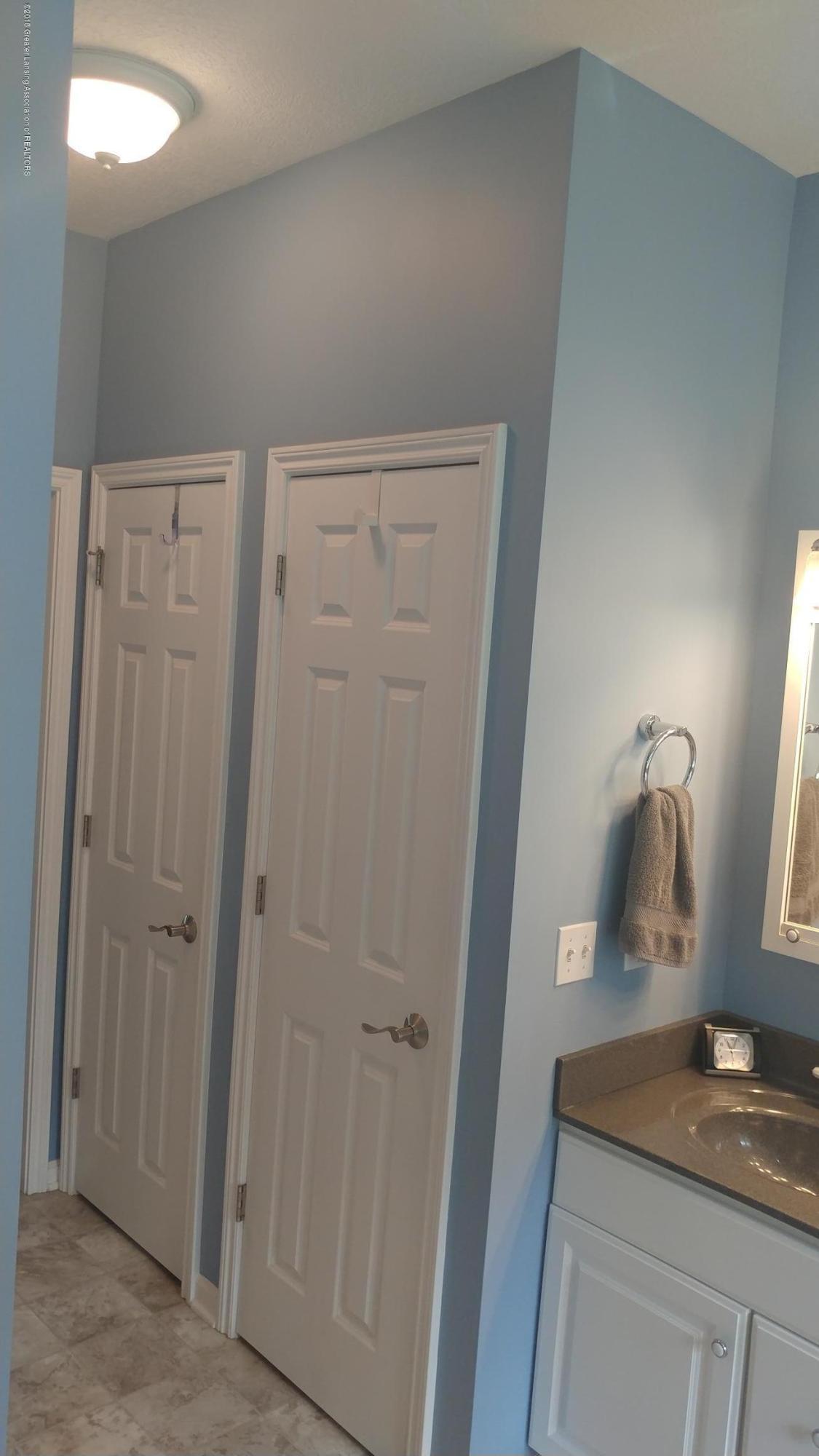 813 John Finner Ln - En Suite Closets - 38