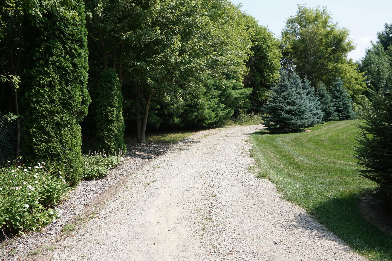 5699 Harper Rd - Gravel drive - 46